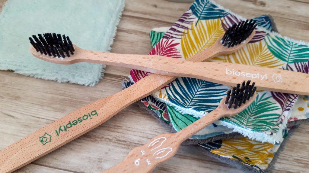 Salle de bain zéro déchet - brosse à dents bois